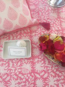 Nappe rose FLORA Rose Gum de VILLA D'ISSI. Pink Tablecloth FLORA Rose Gum from VILLA D'ISSI