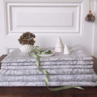 Nappe grise FLORA Gris Perle de VILLA D'ISSI. Grey Tablecloth FLORA Gris Perle