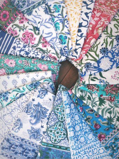 Nappes indiennes imprimées à la main au block print pour VILLA D'Nappes indiennes imprimées à la main au block print pour VILLA D' ISSI ISSI