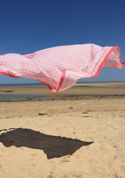 Paréo de plage-Beachwear chic-Etole EMMA corail tangerine de VILLA D'ISSI