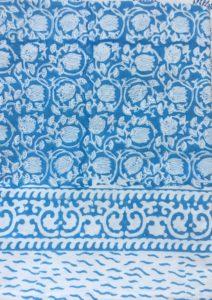 Nappe indienne fleurie bleue - Plaid ZOE de VILLA D'ISSI 150 x 220 cm