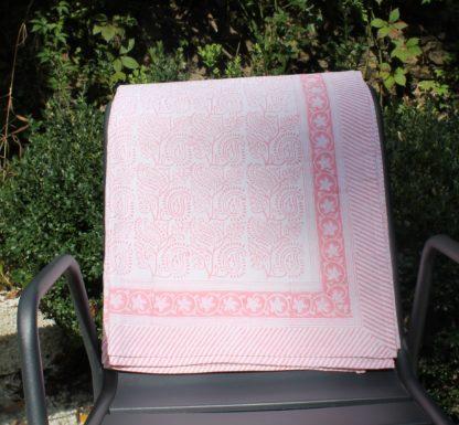 Nappe rose indienne ARIELLE de VILLA D'ISSI, imprimée à la main au block print