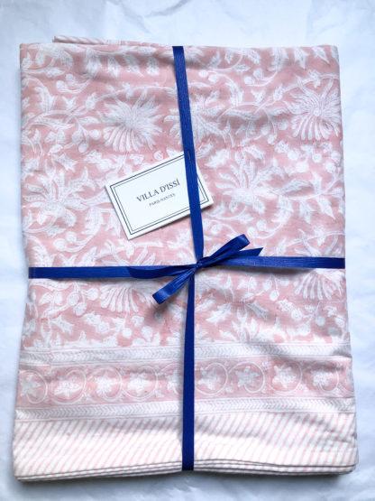 Nappe indienne block print FLORA Rose Poudré de VILLA D'ISSI. Indian Tablecloth FLORA Rose Powder from VILLA D'ISSI