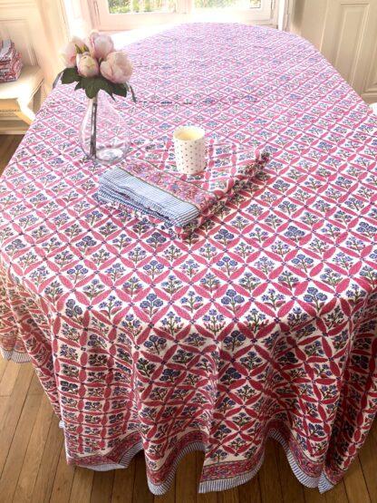 Nappe indienne rose et bleu imprimée à la main au tampon de bois (block print) ARLECCHINO de VILLA D'ISSI
