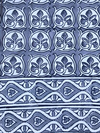 Nappe grise FANCY Gris de VILLA D'ISSI. Grey Tablecloth from VILLA D'ISSI
