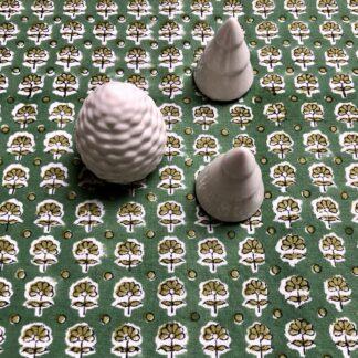Nappe verte indienne block print imprimée main au tampon de Villa d'Issi